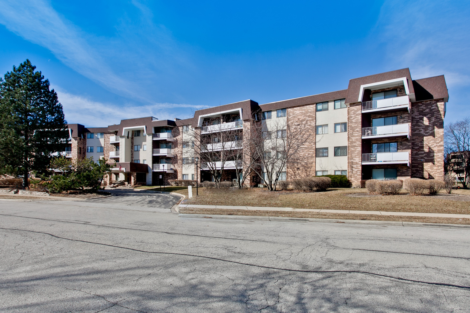 3300 North Carriageway Drive, Unit 202, Arlington Heights, Illinois 60004