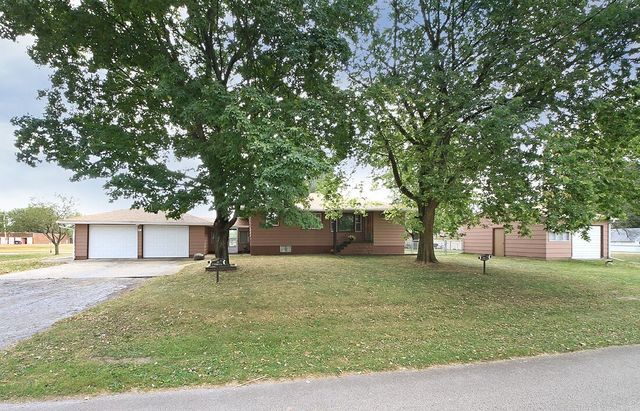 Property for sale at 304 Pacific Street, Essex,  IL 60935