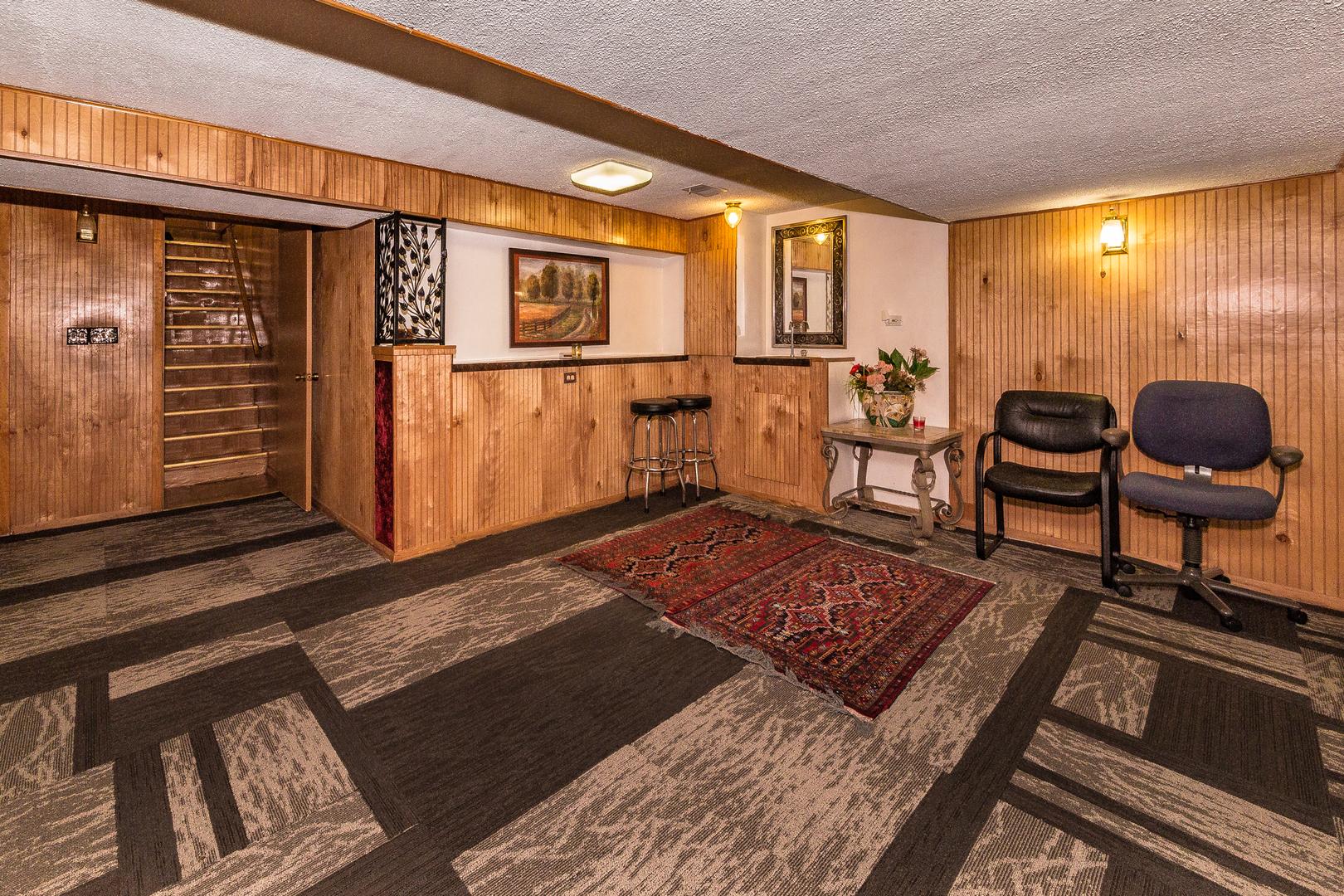 1014 West Eva, Mount Prospect, Illinois, 60056