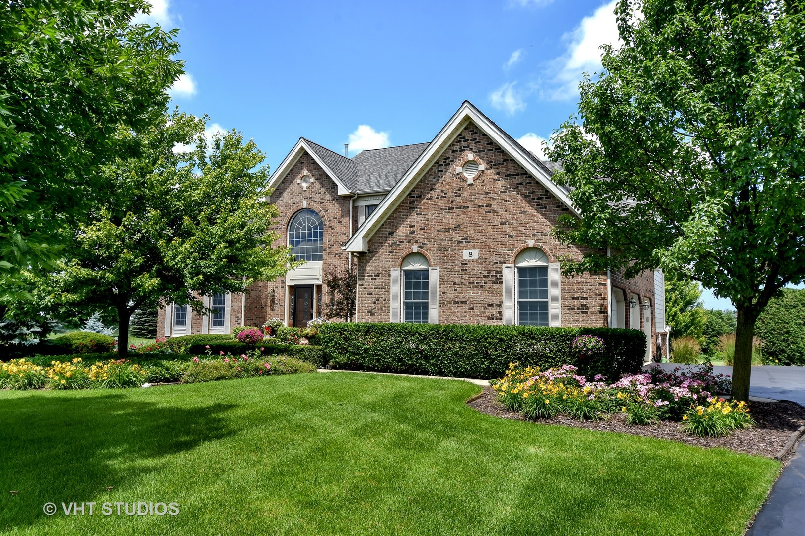 8 Somerset Hills Court, Hawthorn Woods, Illinois 60047