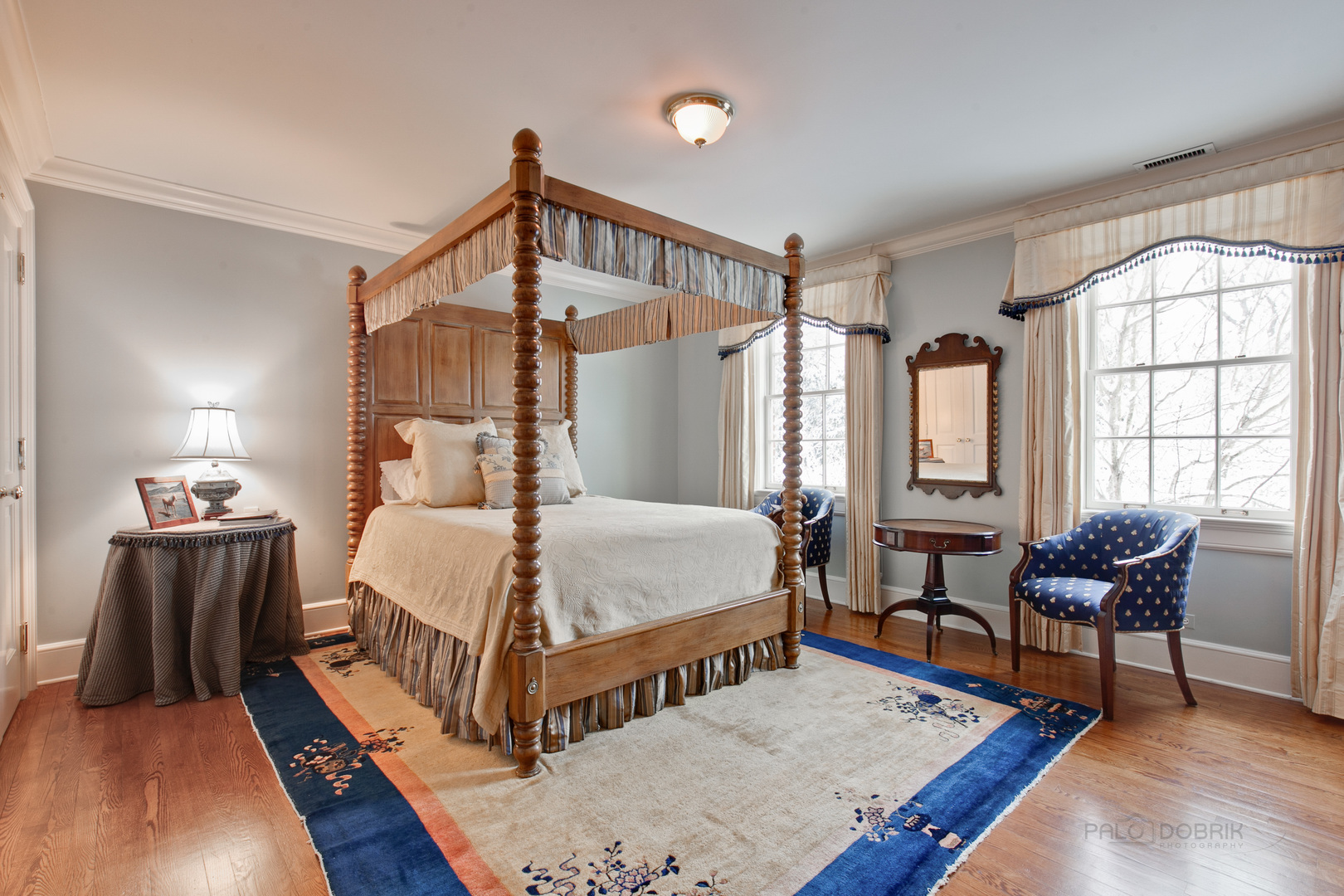 327 North Mayflower, Lake Forest, Illinois, 60045