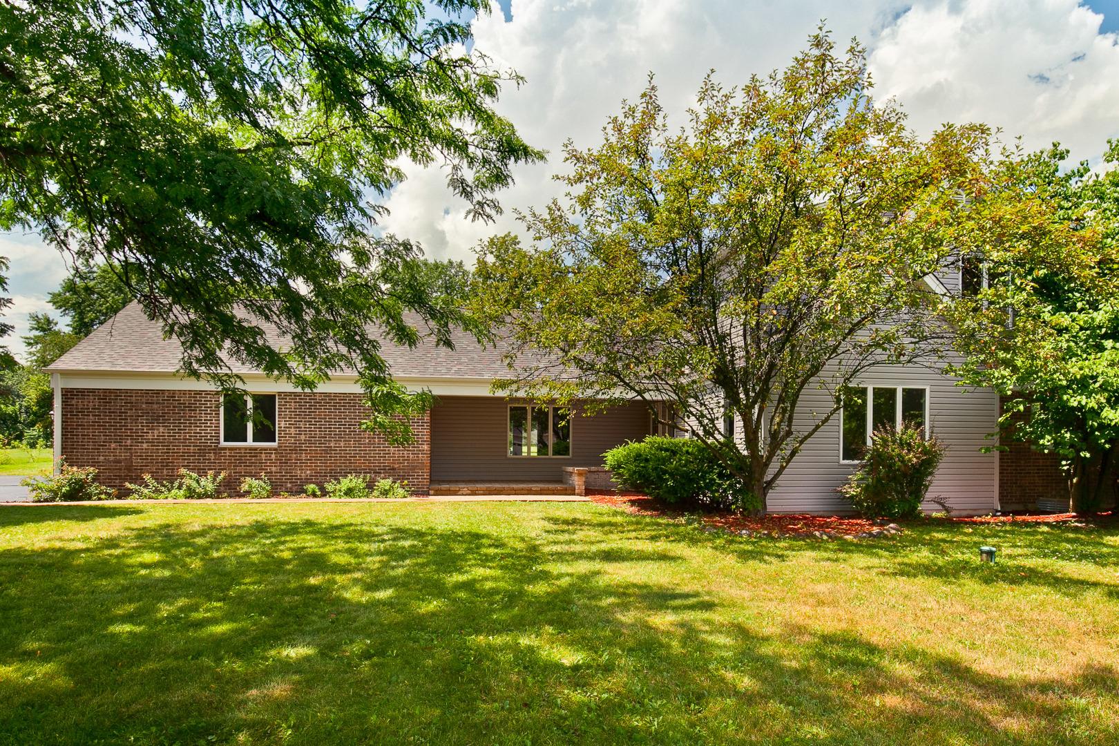 25644 North Arrowhead Drive, Long Grove, Illinois 60060