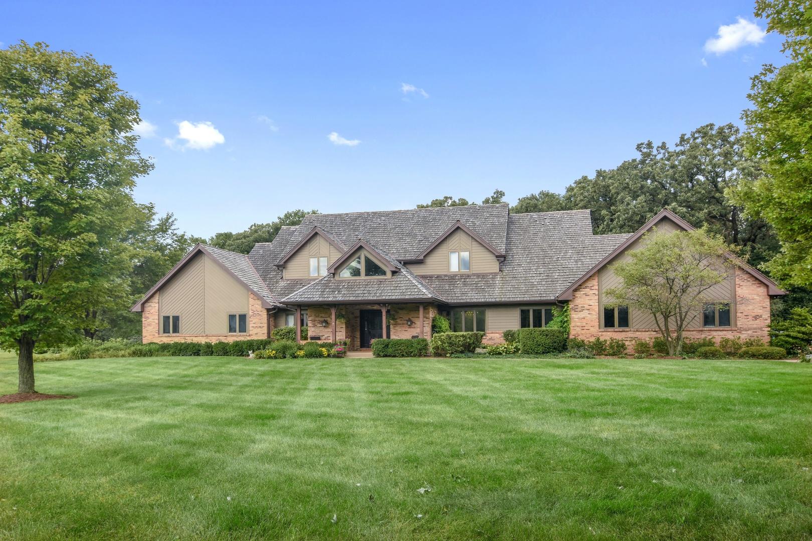21710 North Hickory Lane, Barrington Hills, Illinois 60010