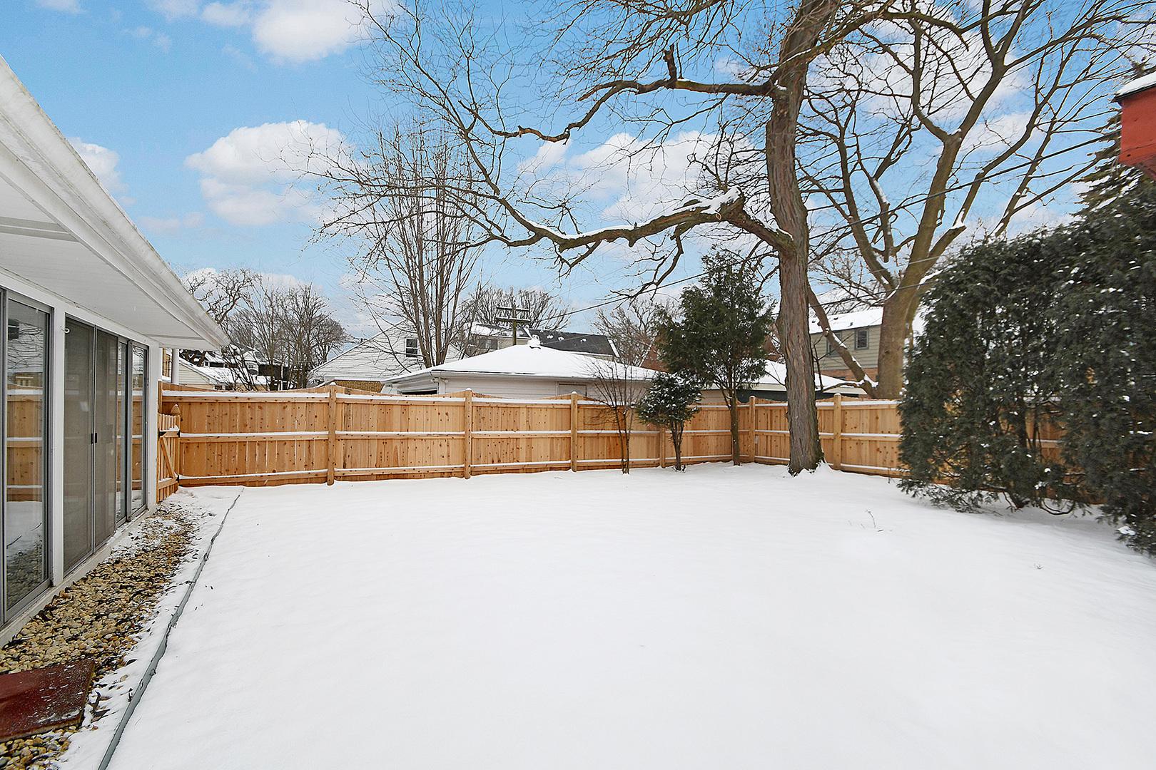 828 South Ashland, La Grange, Illinois, 60525