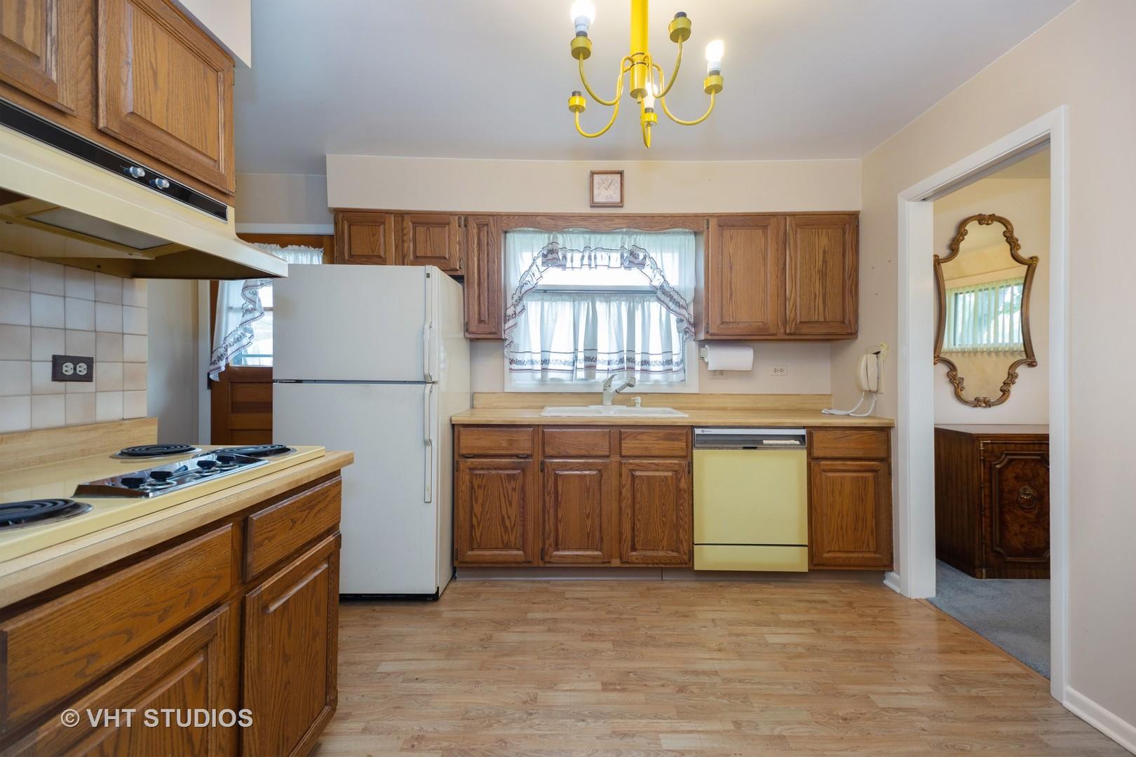 21 CRESCENT, Glenview, Illinois, 60025
