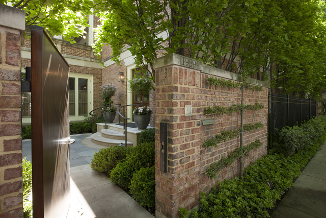 8 House in Lincoln Park