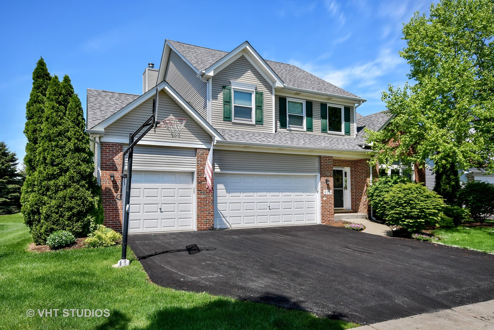 678  Chasewood,  SOUTH ELGIN, Illinois
