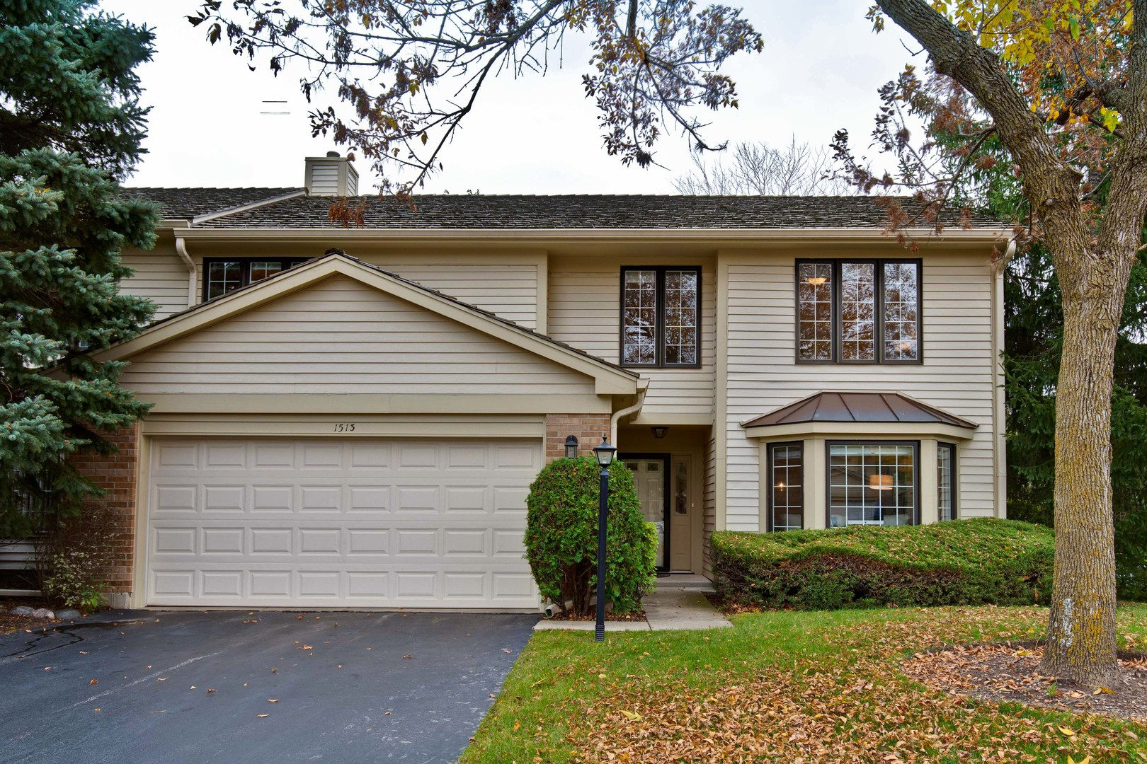 1513 Loatonia Court, Libertyville, Illinois 60048
