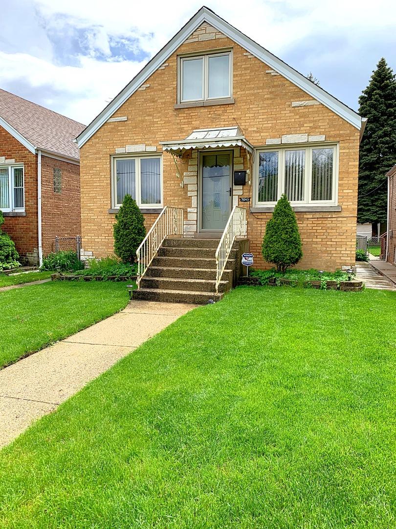 7045 W Irving Park Exterior Photo