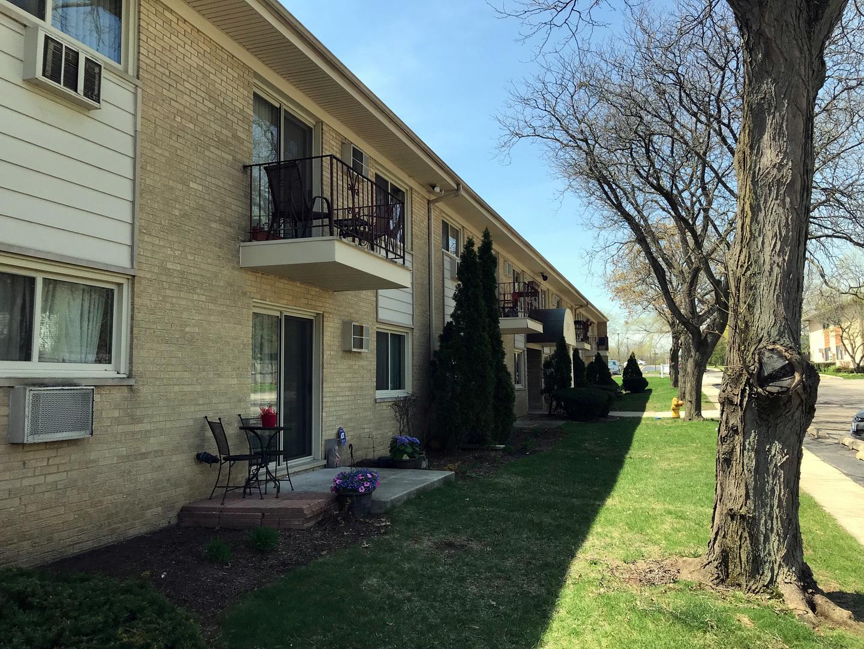 551 CARLYSLE 16, CLARENDON HILLS, Illinois, 60514