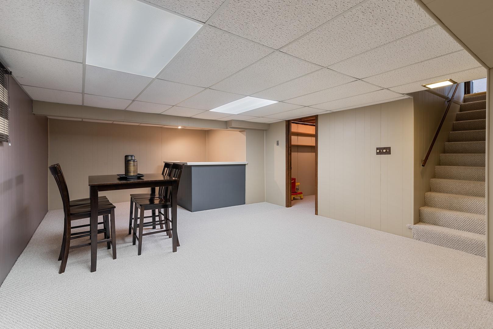 3914 Miller, Glenview, Illinois, 60026