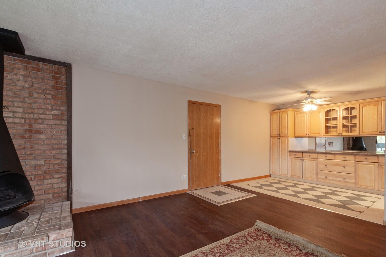 6142 Knoll Wick 203, WILLOWBROOK, Illinois, 60527