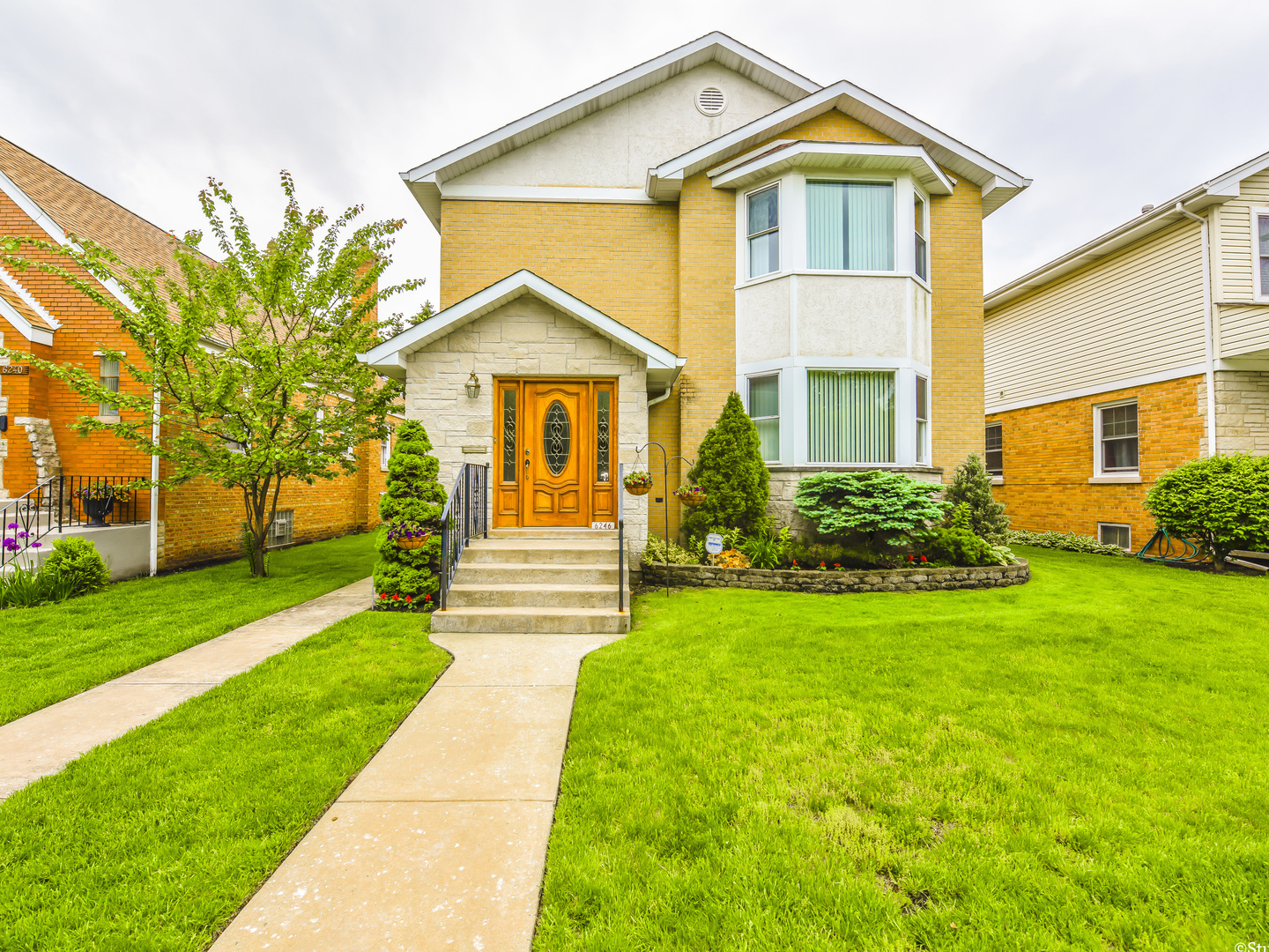 6246 NORTH INDIAN ROAD, CHICAGO, IL 60646