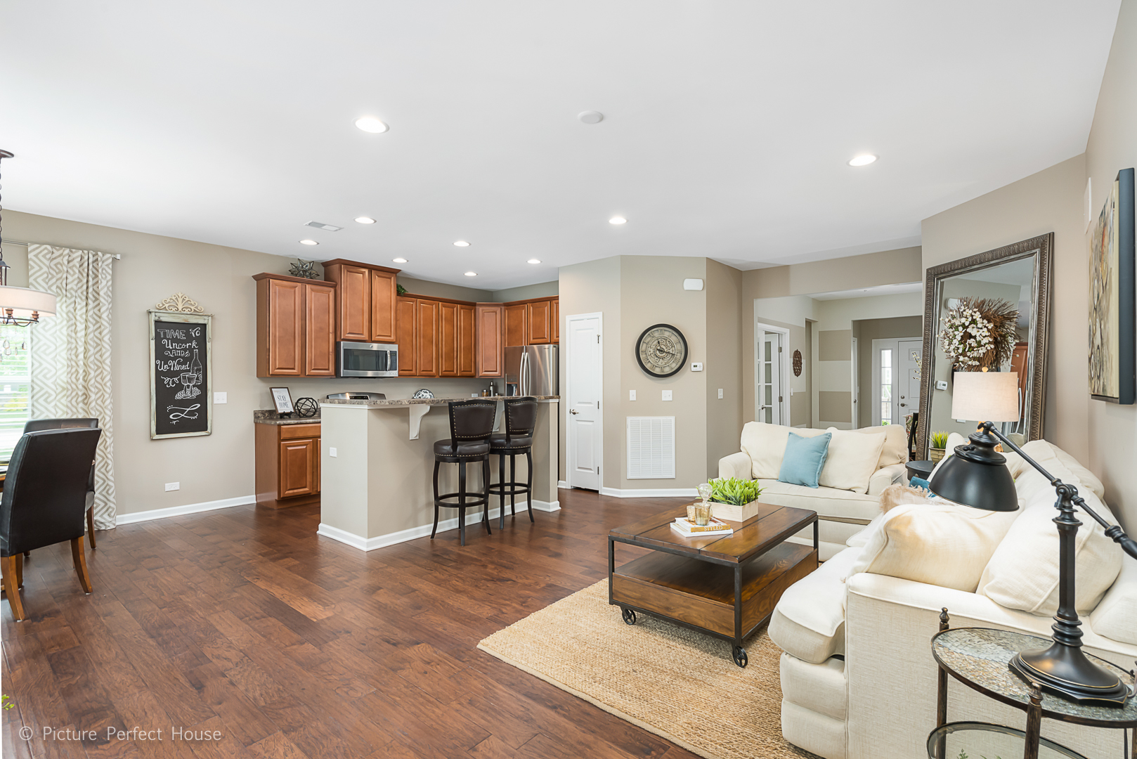 1501 COLCHESTER, AURORA, Illinois, 60505