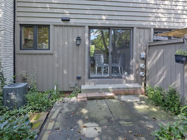 1554 Greenwood, Glenview, Illinois, 60026