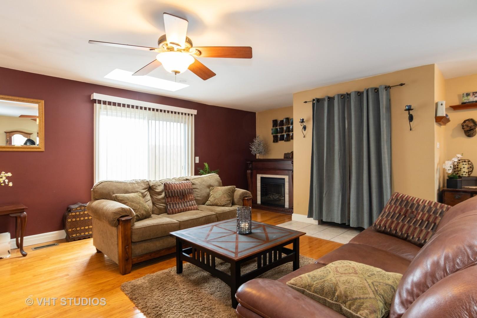 7008 Longmeadow, Hanover Park, Illinois, 60133