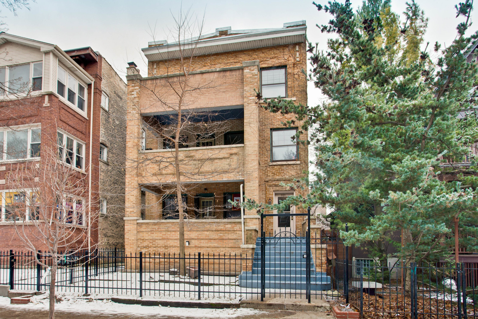 9 House in Rogers Park