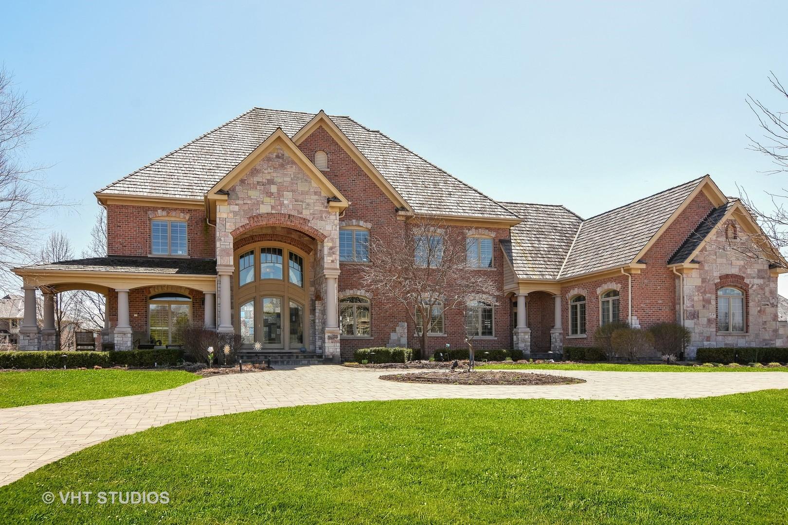 22396 North Greenmeadow Drive, Kildeer, Illinois 60047