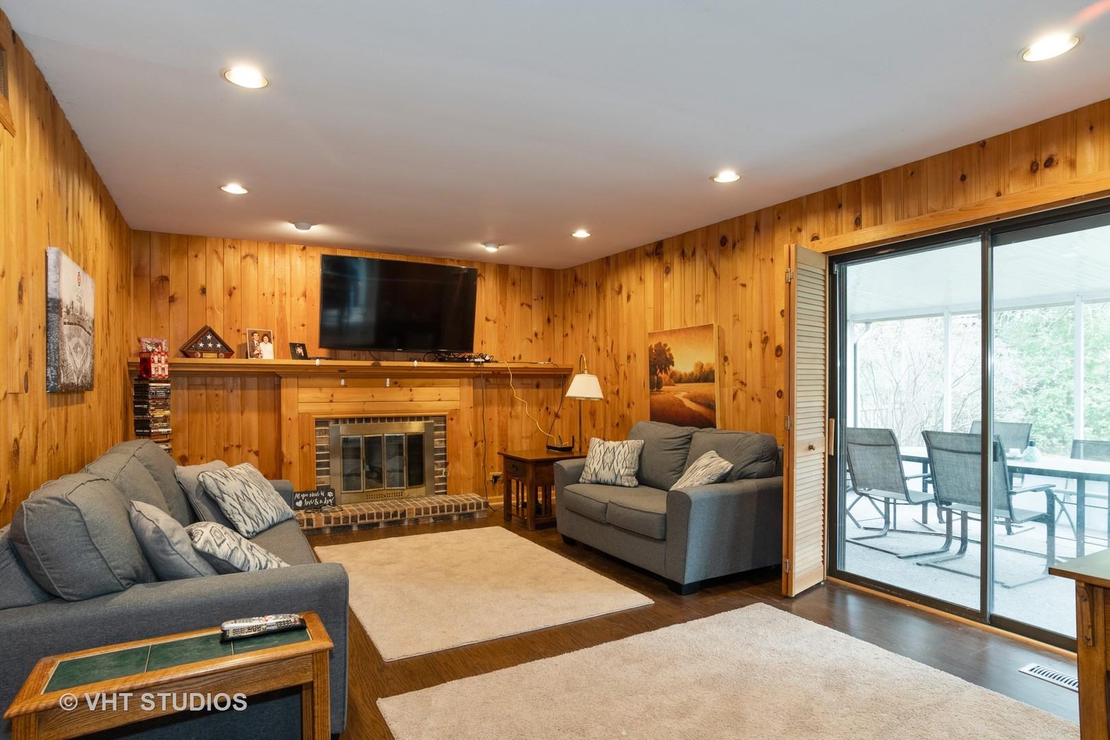 1783 Dogwood, Hoffman Estates, Illinois, 60192