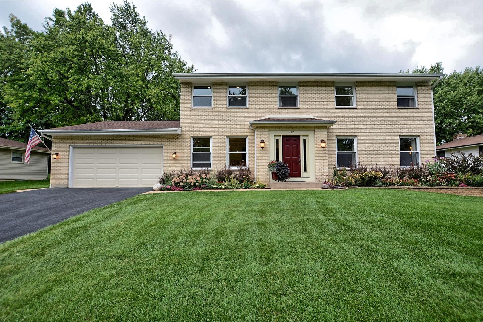 712 Surrey, Algonquin, Illinois, 60102