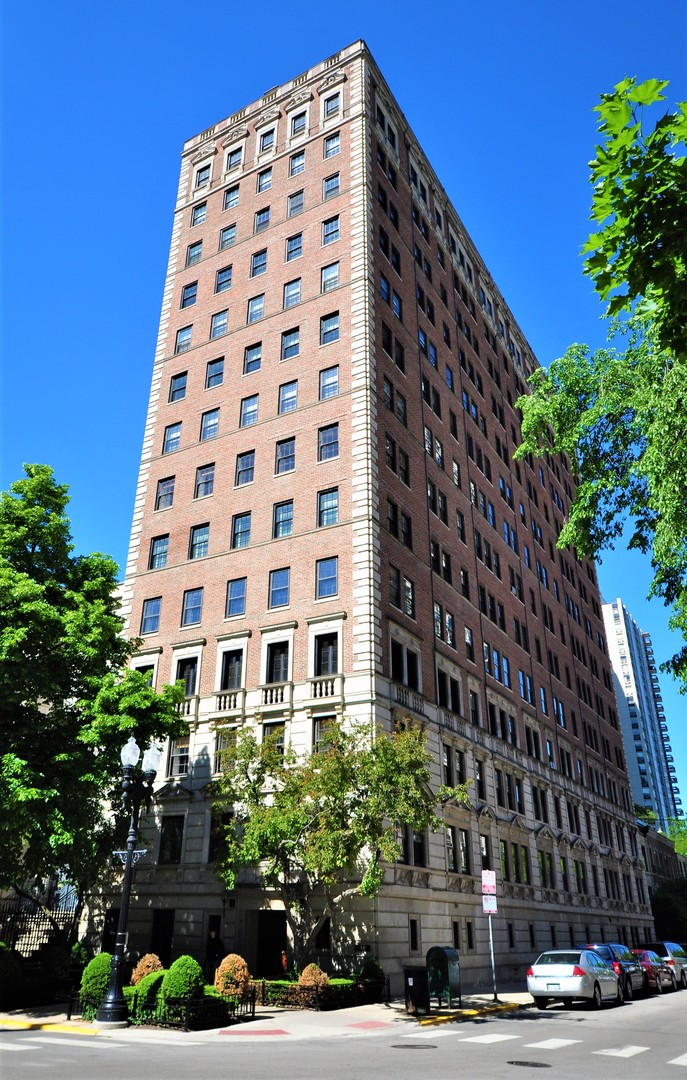 1366 N Dearborn Exterior Photo