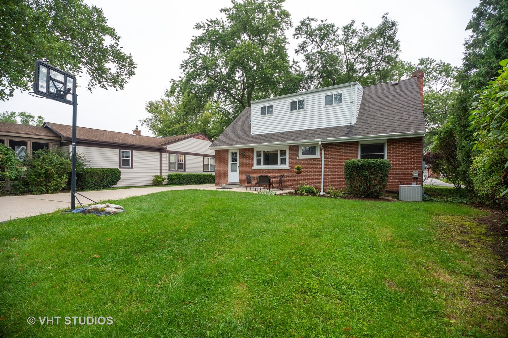 414 North Russel, Mount Prospect, Illinois, 60056