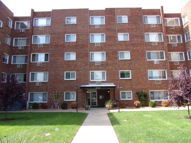 222 Madison 304, Joliet, Illinois, 60435