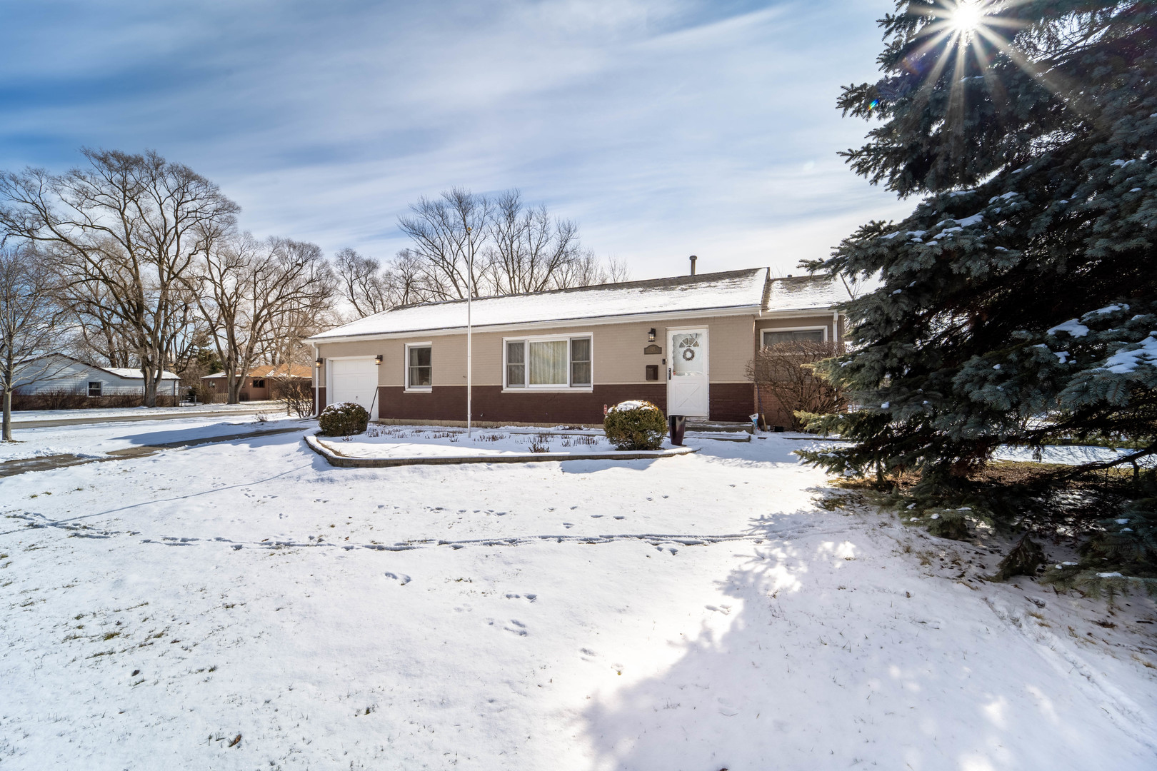 125 Chandler, Hoffman Estates, Illinois, 60169