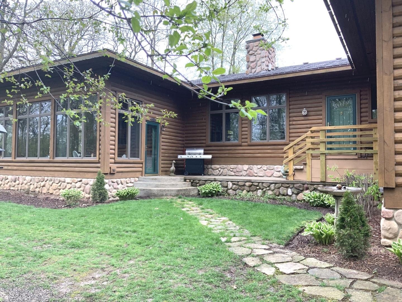 48W849  Middleton,  Maple Park, Illinois