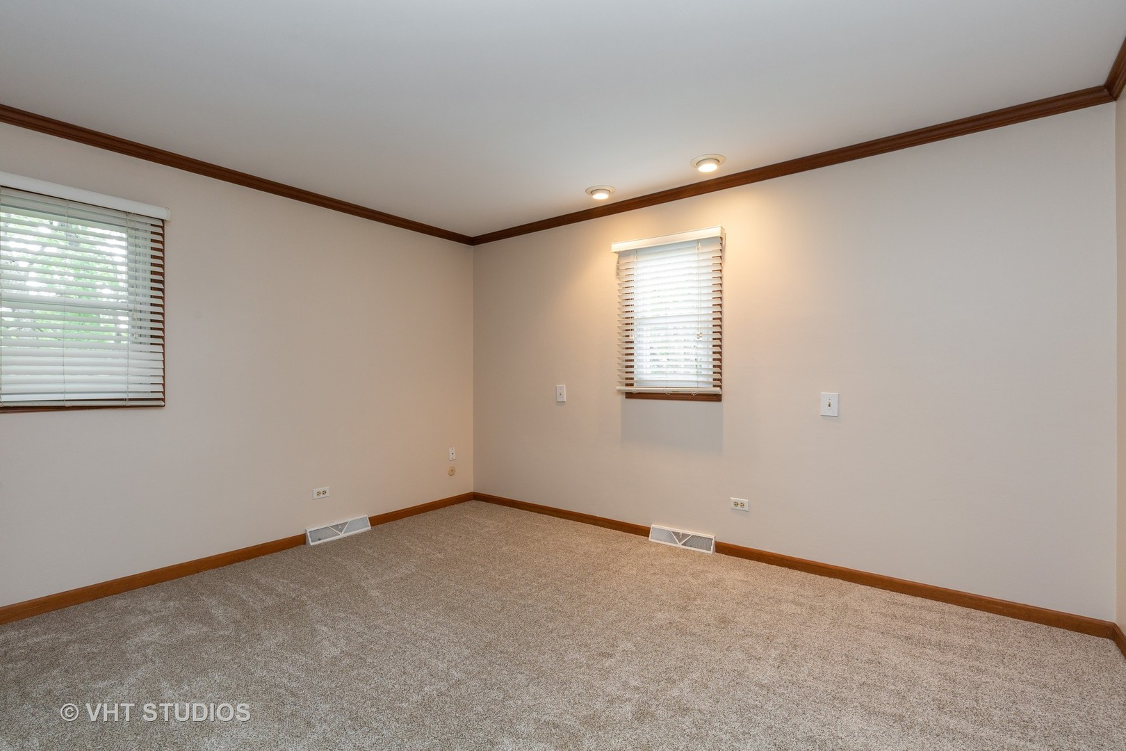 19 Walnut, Algonquin, Illinois, 60102