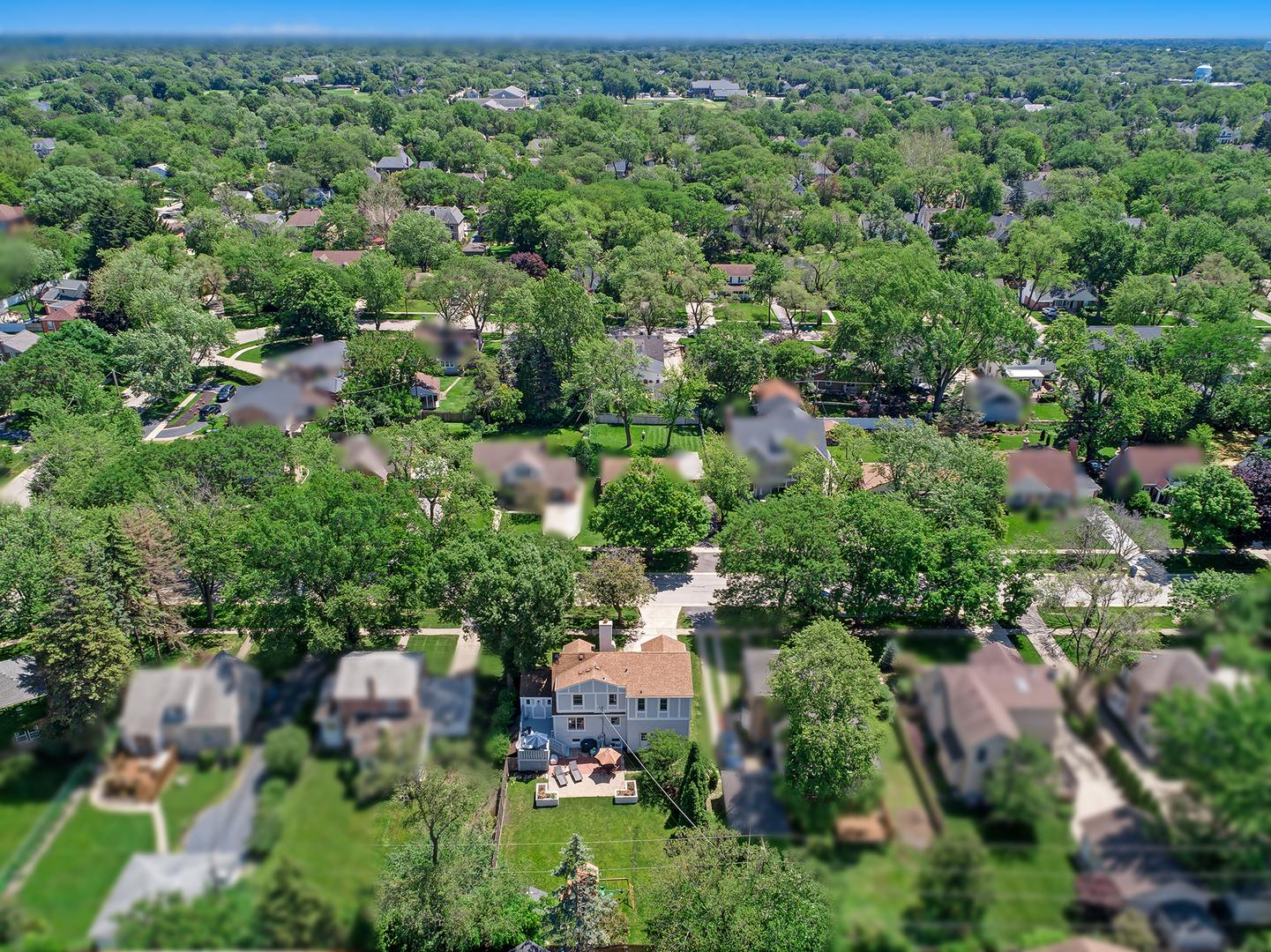8 Mohawk, CLARENDON HILLS, Illinois, 60514