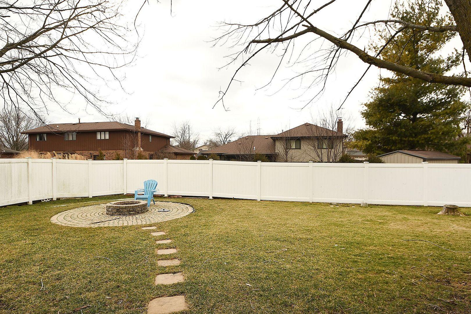 14514 South Appaloosa, Homer Glen, Illinois, 60491