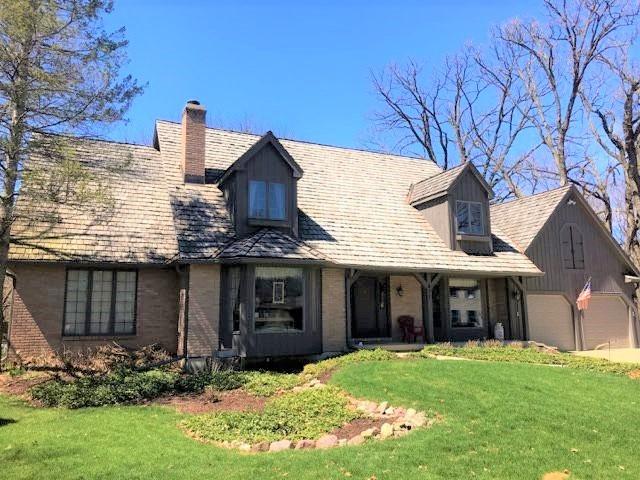 627  Wood Ridge,  ELGIN, Illinois