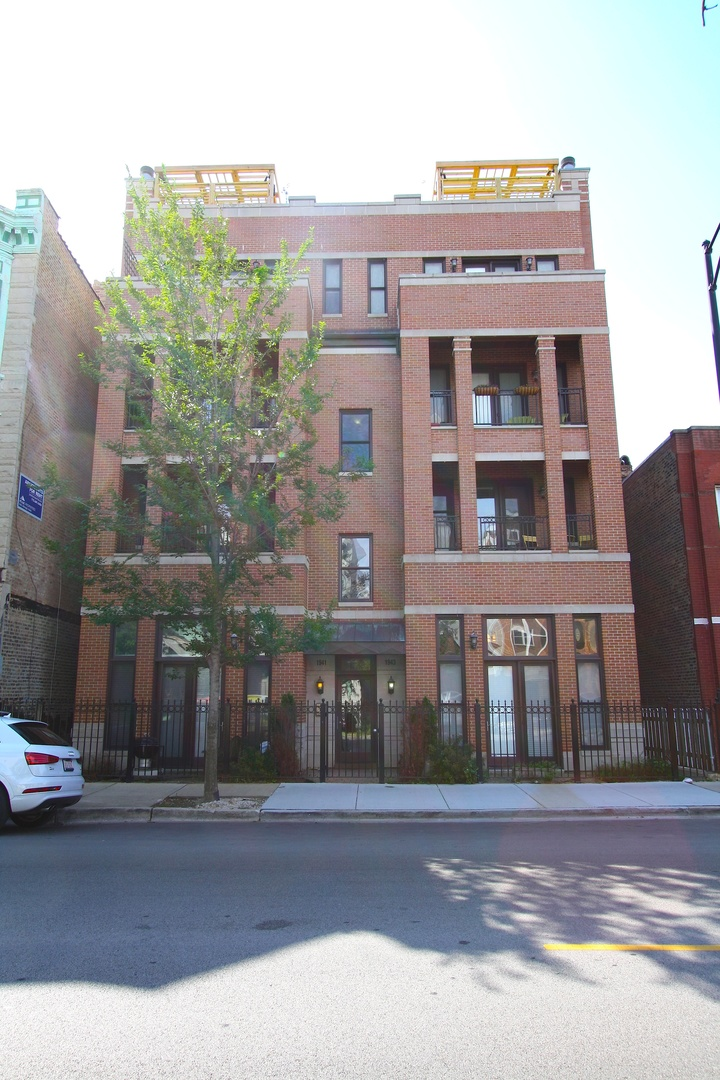 West Armitage Ave., Chicago, IL 60622