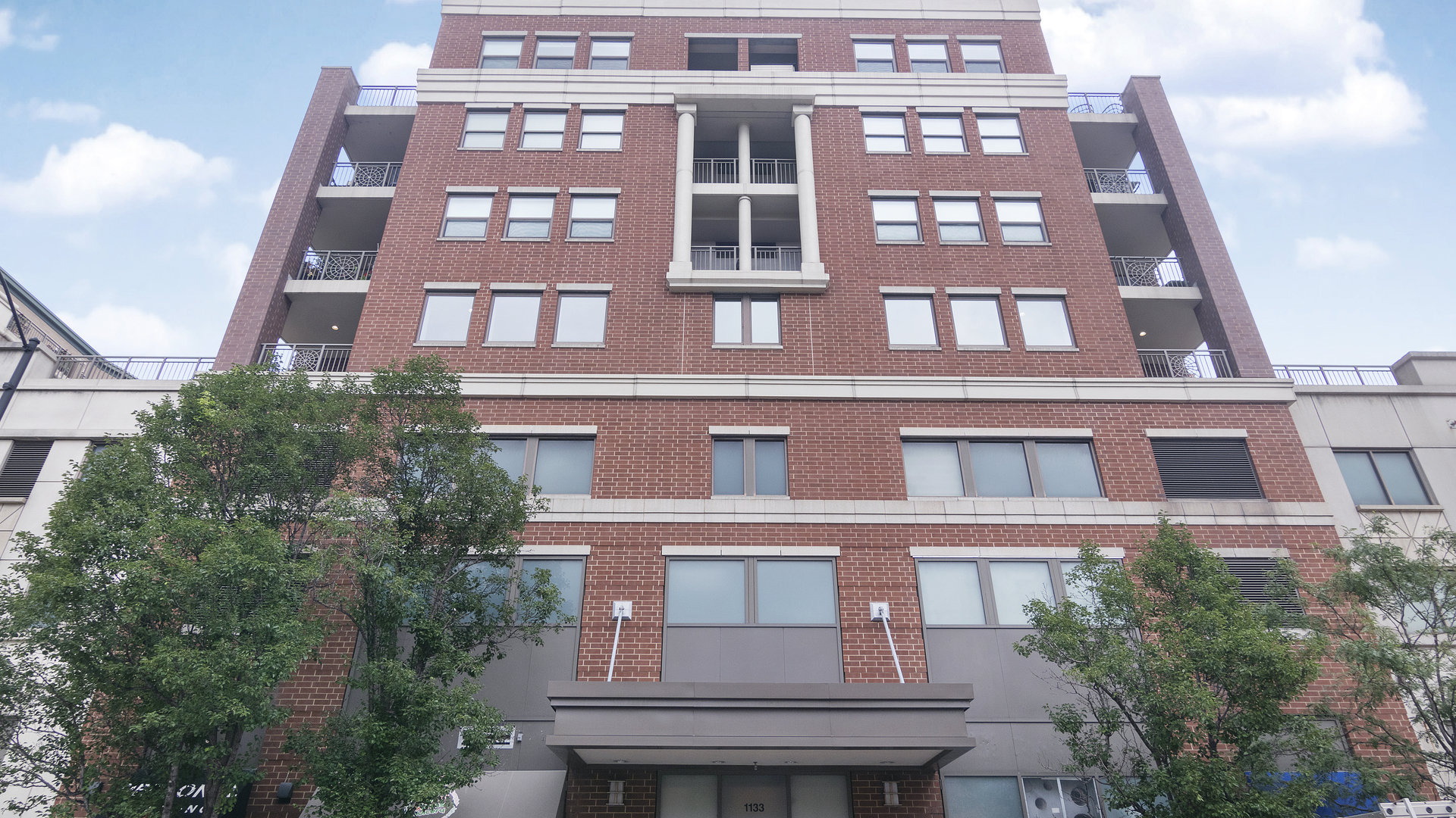 1133 S State Exterior Photo
