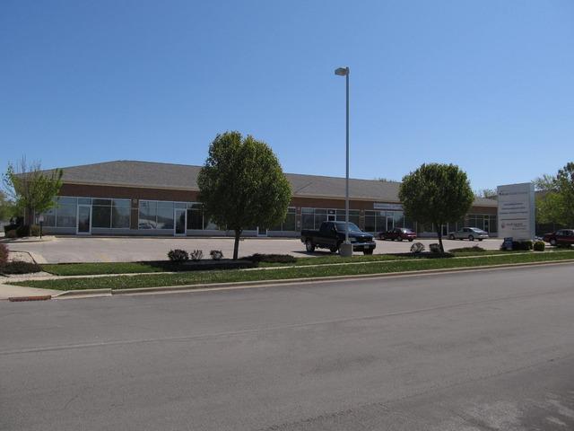 760 FOXPOINTE Drive, Sycamore, IL 60178