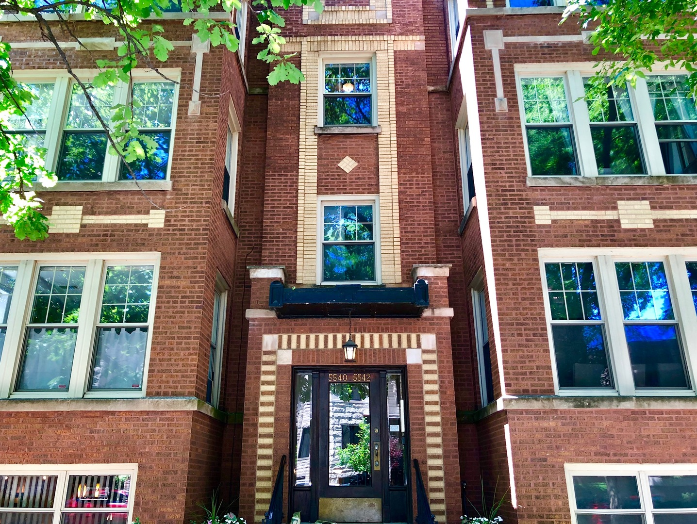 5540 N Glenwood Exterior Photo