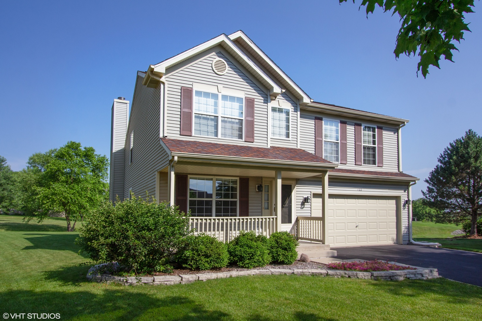 722 North Summit Court, Lindenhurst, Illinois 60046