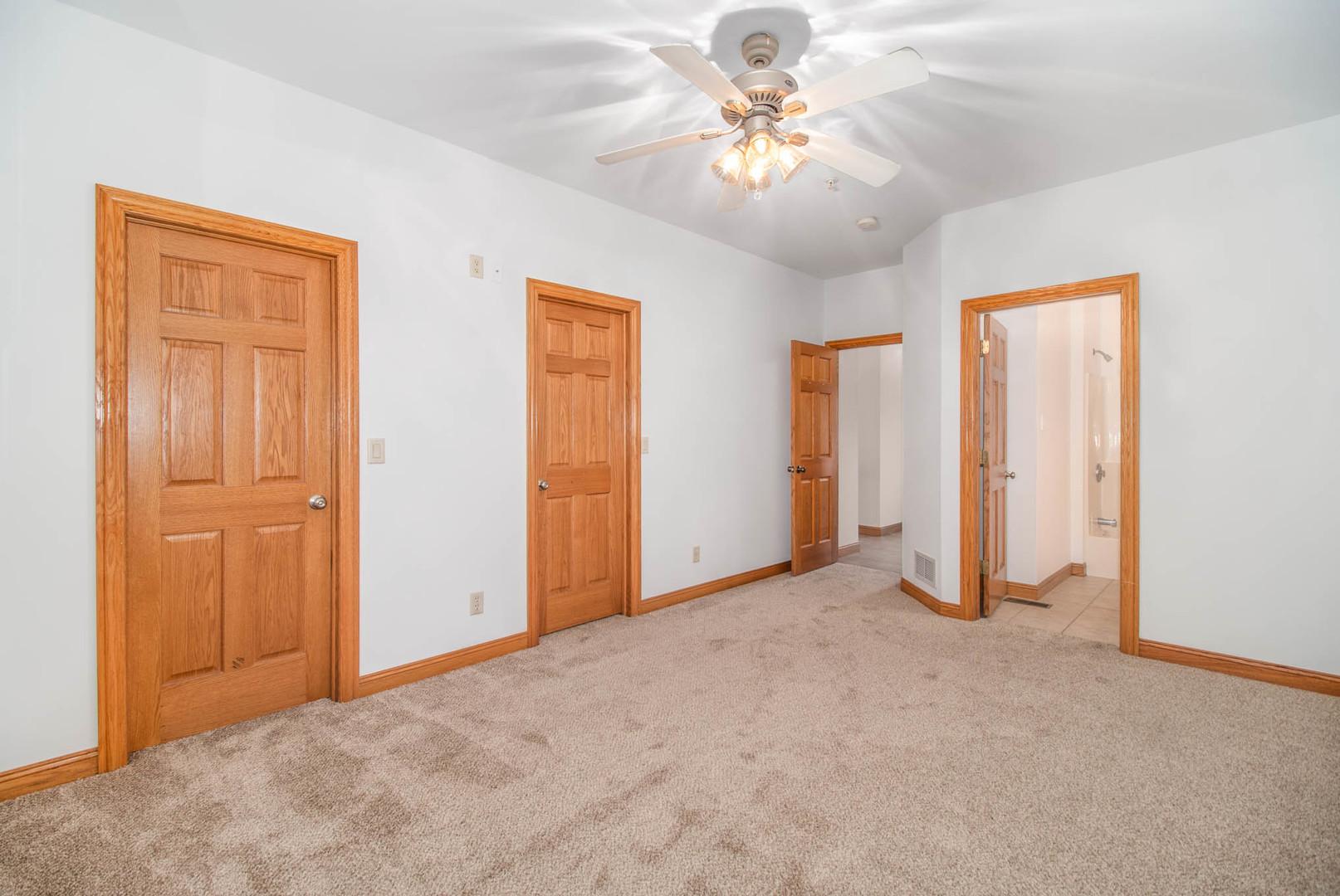 351 East Rickert, HINCKLEY, Illinois, 60520
