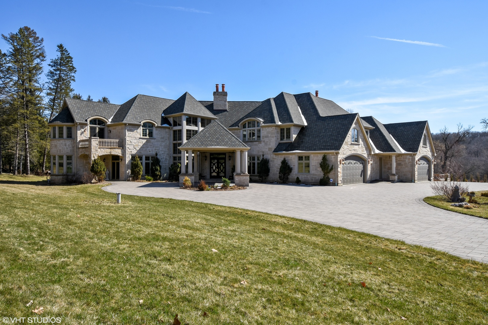 1201 Plum Tree Road, Barrington Hills, Illinois 60010