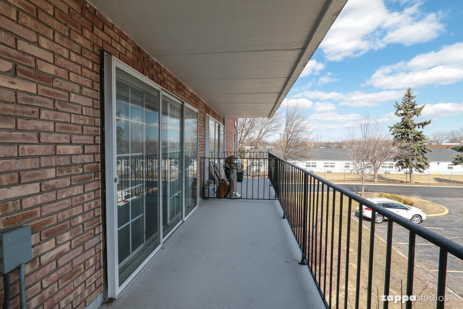 1110 North Farnsworth 205, AURORA, Illinois, 60505