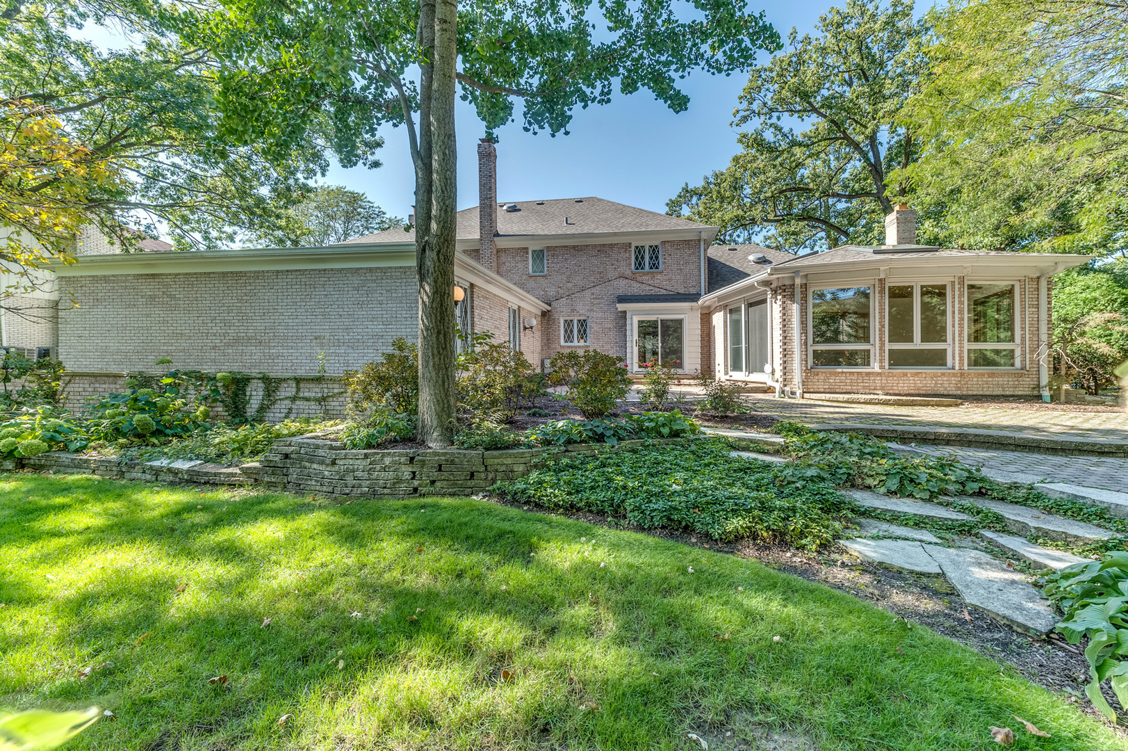 709 Forest Glen, Oak Brook, Illinois, 60523