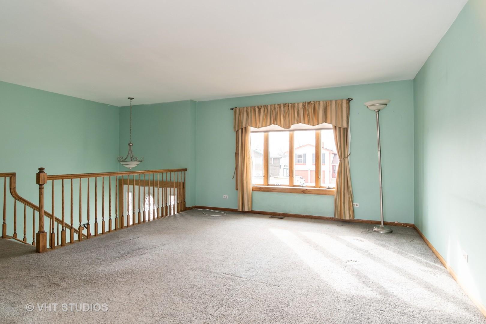 1040 Nottingham, Hoffman Estates, Illinois, 60169