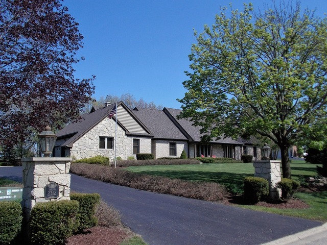 Property for sale at 2312 Bay Oaks Drive, Mchenry,  IL 60051