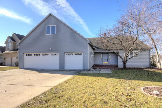 2707 Prairie Meadow Drive, Champaign, IL 61821