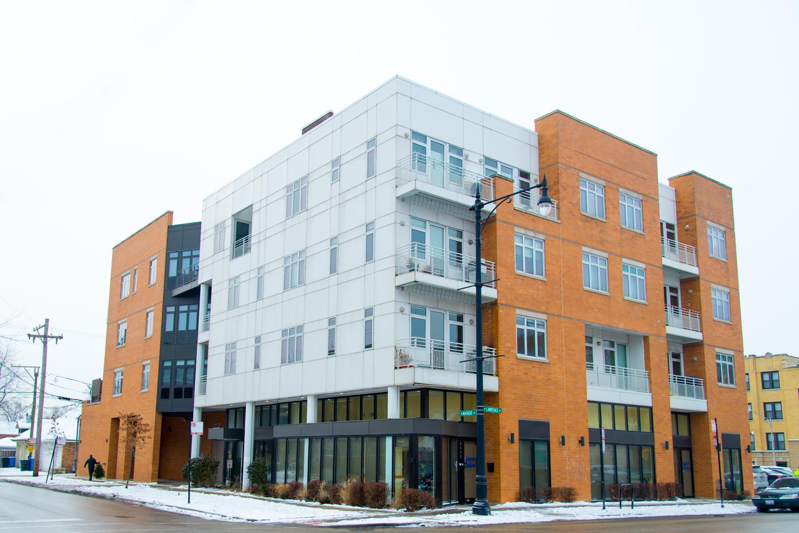 North  Manor Avenue, CHICAGO, IL 60625