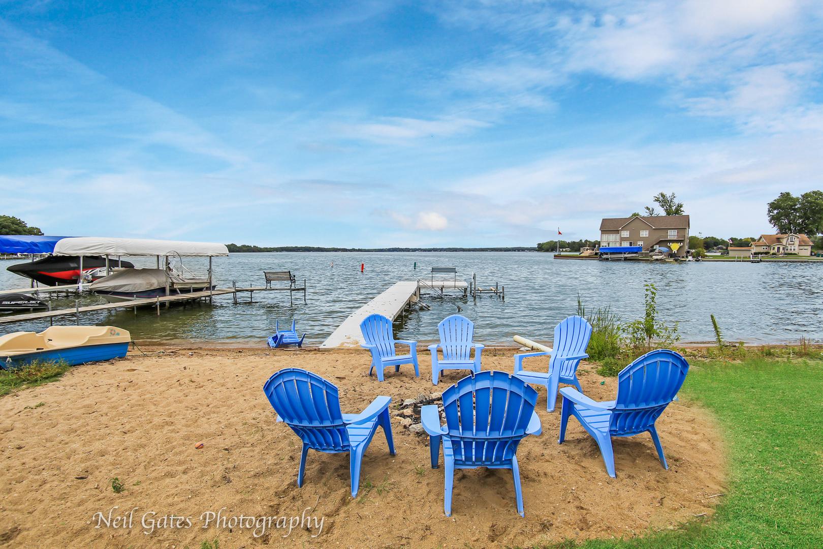 21 North Holly, Fox Lake, Illinois, 60020