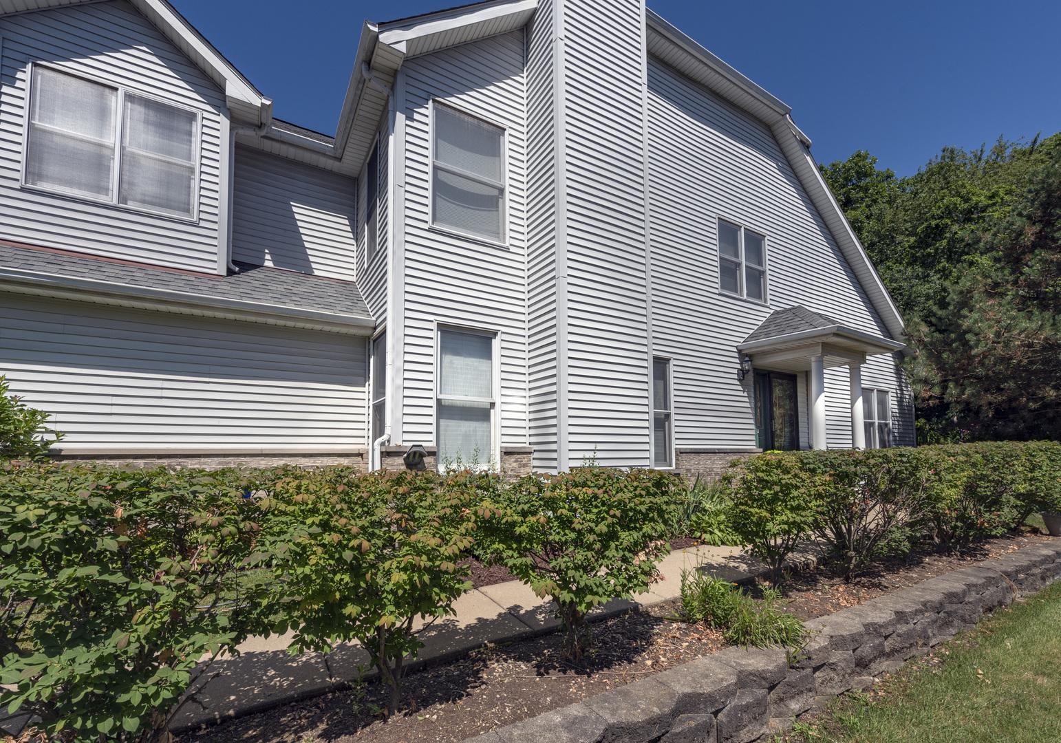 2010 Thornwood, ST. CHARLES, Illinois, 60174