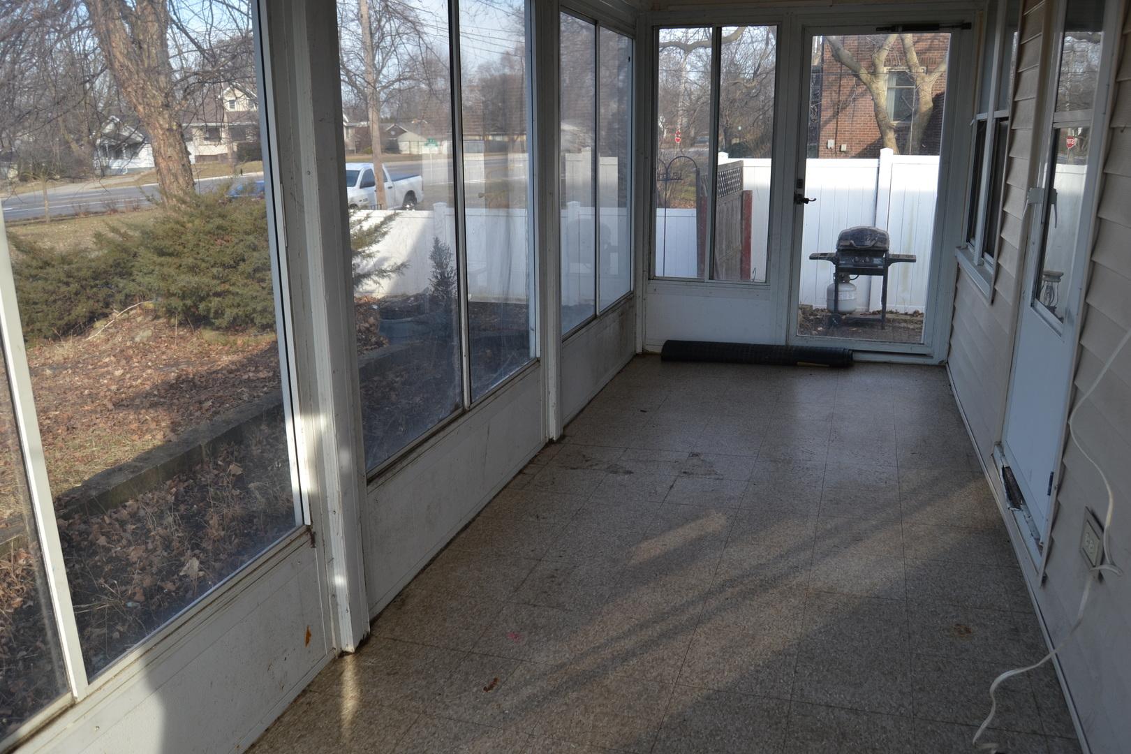113 East Moore, Ottawa, Illinois, 61350
