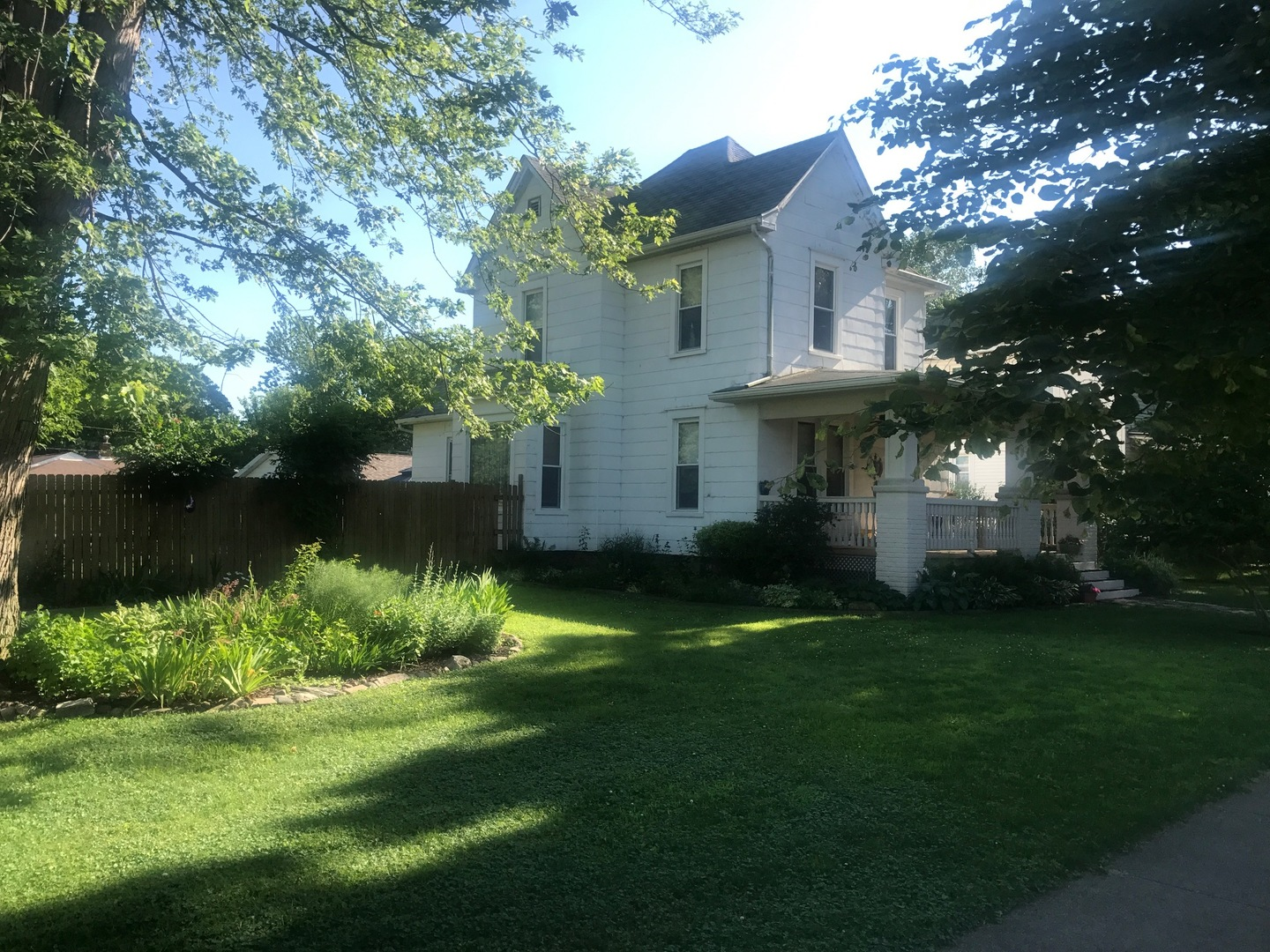612 East 4th, DELAVAN, Illinois, 61734